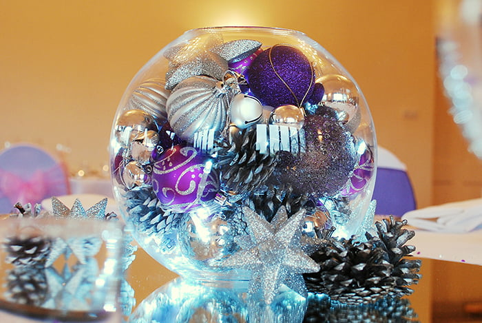 Hire Table Centrepieces - 10 inch fishbowl with baubles