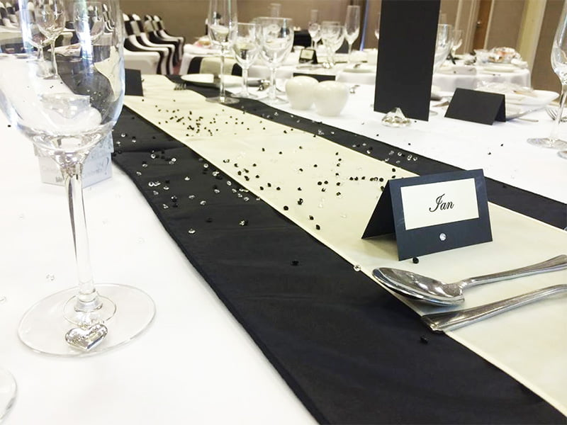 Wedding table runners for hire